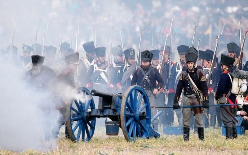 Chiến lược tấn công sườn và trận Waterloo trong marketing